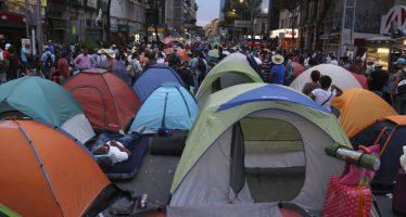 Juez ordena retirar bloqueo en la calle Bucareli, en inmediaciones de Gobernación