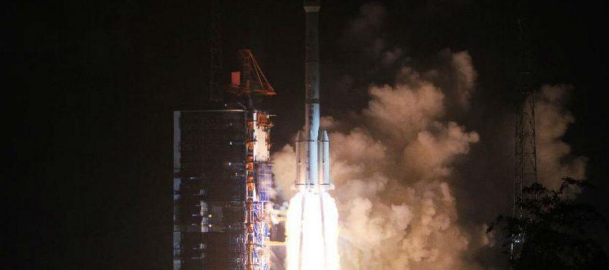 China lanza con buen éxito el primer satélite de telecomunicaciones móviles