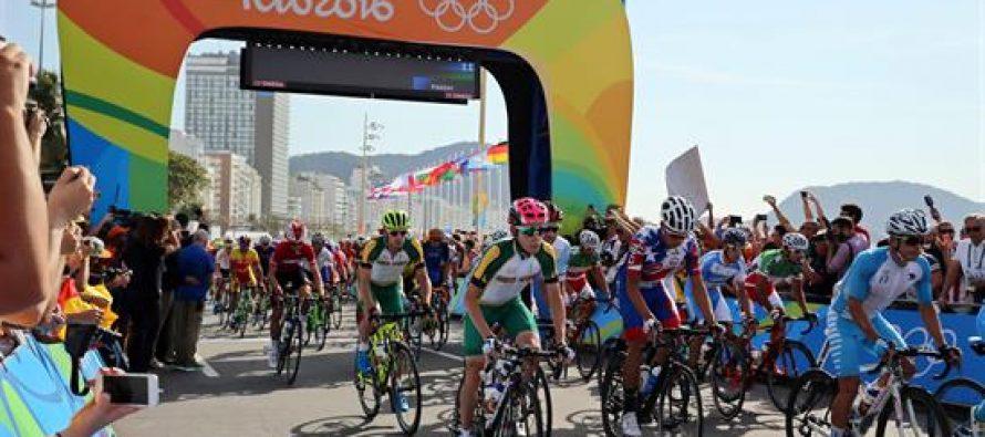 Policía de Brasil detona paquete sospechoso cerca de la meta de prueba ciclista