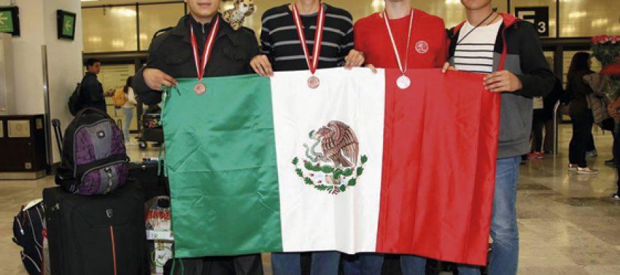 Estudiantes de México ganan tres medallas de bronce en Olimpiada de Química