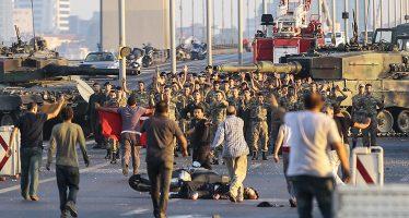Liberarán a 38 mil presos para hacer lugar a golpistas, en Turquía