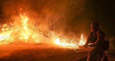 Evacúan a 82 mil residentes por incendio en San Bernardino, California