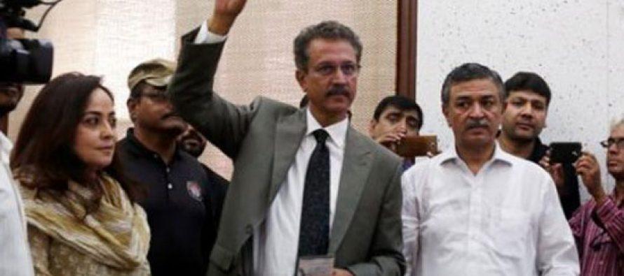 Nuevo alcalde elegido de Karachi podría gobernar desde la cárcel