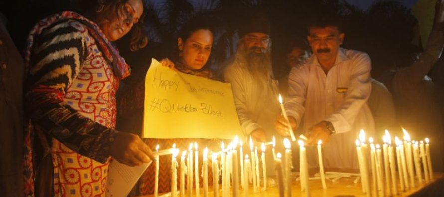 Intelectuales paquistaníes lloran a los abogados muertos en Quetta