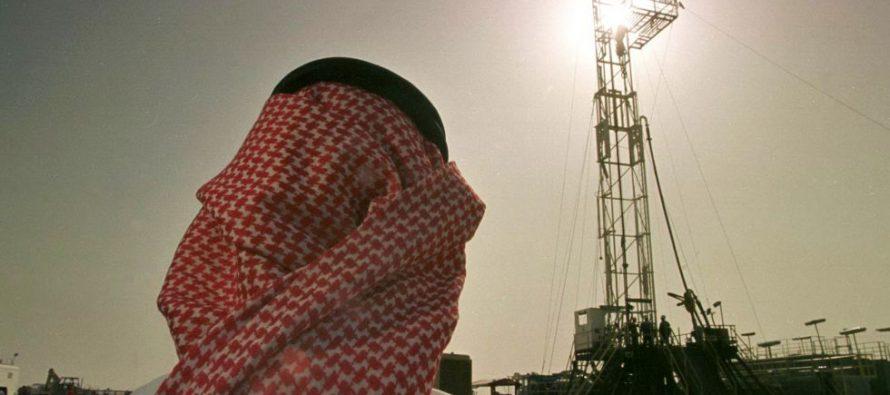 Rusia consulta con Arabia y otros países para lograr equilibrio en mercado petrolero