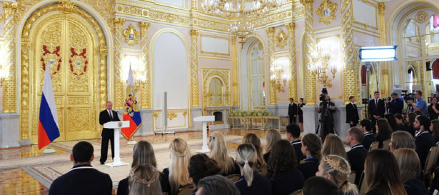 Putin felicita a atletas rusos ganadores de medalla en JO de Río; critica exclusión