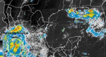 Tormenta Javier entra como huracán en Baja California Sur