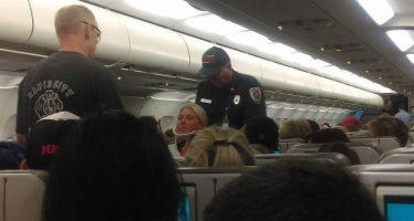 Fuerte turbulencia causa lesiones a 22 pasajeros en vuelo de JetBlue
