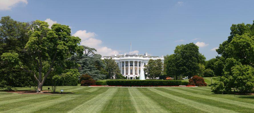 """Hallan un """"paquete sospechoso"""" en las cercanías de la Casa Blanca"""