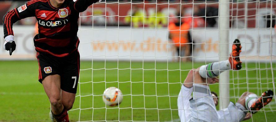 """""""Chicharito"""" Hernández llega a 100 goles en futbol de Europa"""