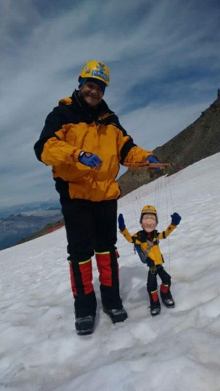 Gerardo Rivera, socorrista alpino y titiritero