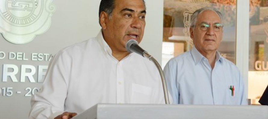 Legalizar amapola para abatir la violencia, propone gobernador de Guerrero