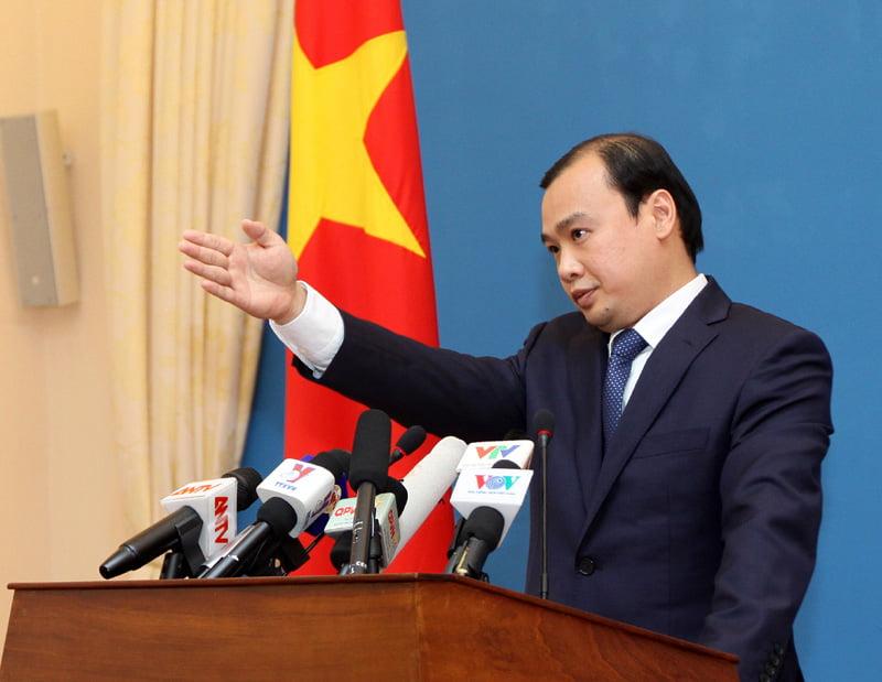 El portavoz de la cancillería de Vietnam, Le Hai Binh, pidió que se encuentren soluciones en un contexto de diálogo y de paz