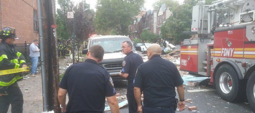 Explosión en el Bronx de Nueva York deja un bombero muerto y 12 heridos