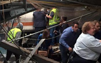 Choca tren en estación de Nueva Jersey; causa un muerto y más de 100 heridos