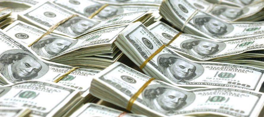 El dólar rebasó los 20 pesos en bancos