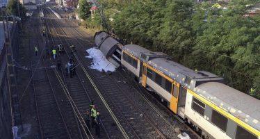 Descarrila tren de pasajeros en España causando cuatro muertos