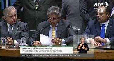 Destituyen en Brasil a Cunha, hábil político que sorteó las aguas de la corrupción