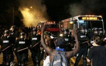 Desata violencia asesinato de hombre por la policía en Carolina del Norte
