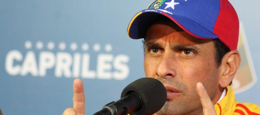 Brigadas de choque acosan al líder de oposición en Venezuela, Capriles