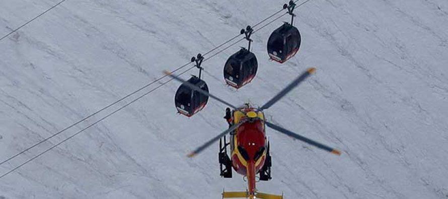 Termina rescate de los turistas atrapados en teleférico sobre Mont-Blanc