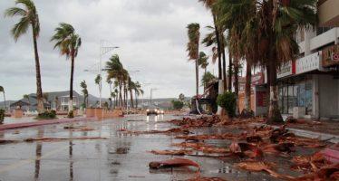 Evalúan daños del huracán Newton a su paso por BCS