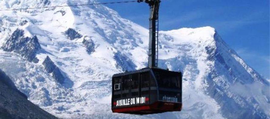 Más de 100 personas quedan atrapadas en teleférico de Mont-Blanc