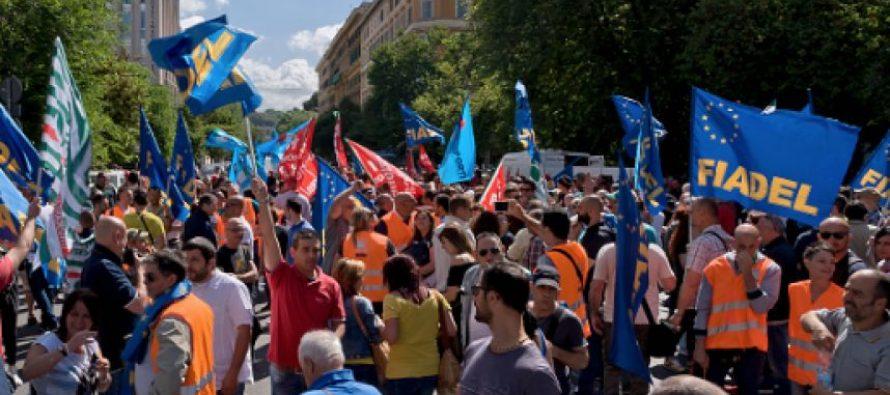Caos en Italia por huelga de sindicatos contra reformas económicas