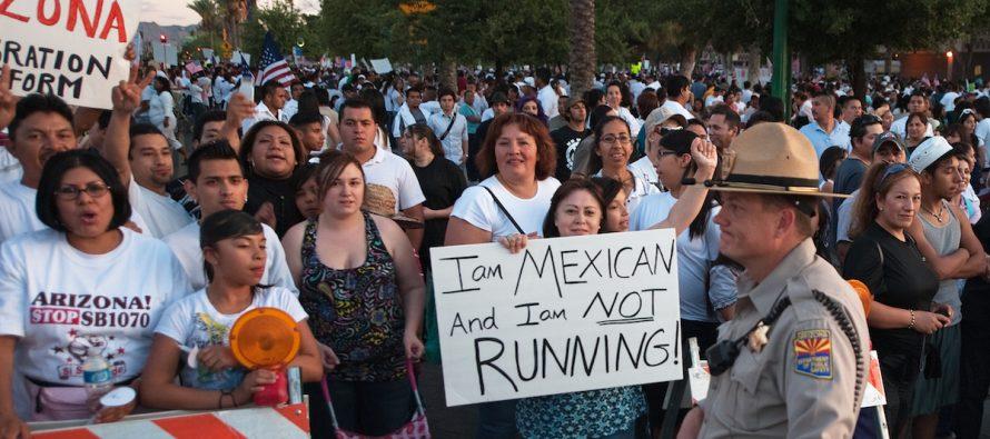 Voto latino espera cambiar perfil político en Arizona; mayoría anti Trump