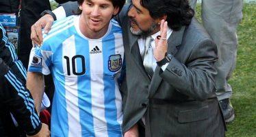 """Messi es """"buena persona pero sin personalidad para ser líder"""": Maradona"""