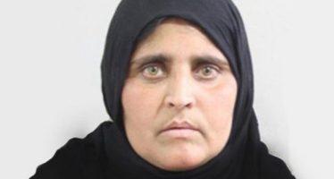 Detienen en Pakistán a la mujer de ojos verdes de National Geographic
