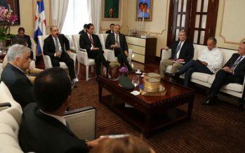 Presidente dominicano enviará ayuda a Haití tras crisis por huracán Matthew