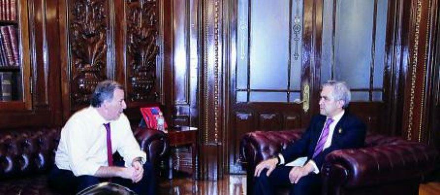 Meade y Mancera acuerdan mesas de trabajo para ver presupuesto de la CDMX