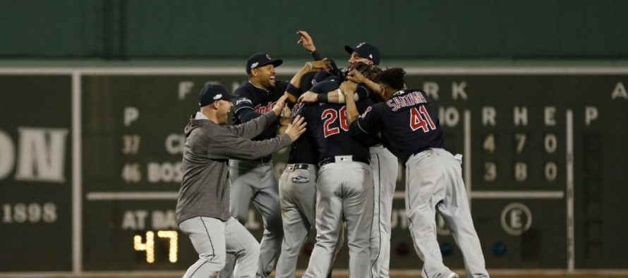 Indios de Cleveland gana a Medias Rojas y avanza en la Liga Americana
