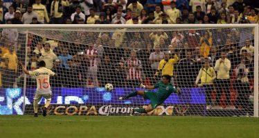 Chivas estropea centenario del América: lo elimina 4-3 en la Copa MX