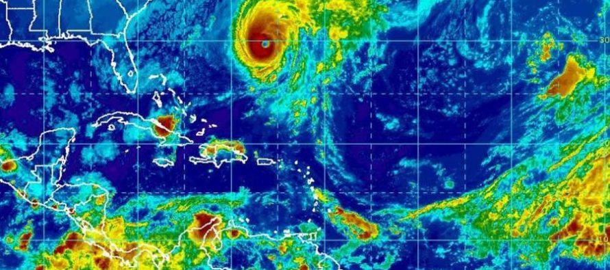 Huracán Nicole baja a categoría 3 rumbo a las Bermudas; sigue peligroso