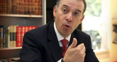 Raúl Cervantes, nuevo titular de la PGR; Arely Gómez va a la SFP