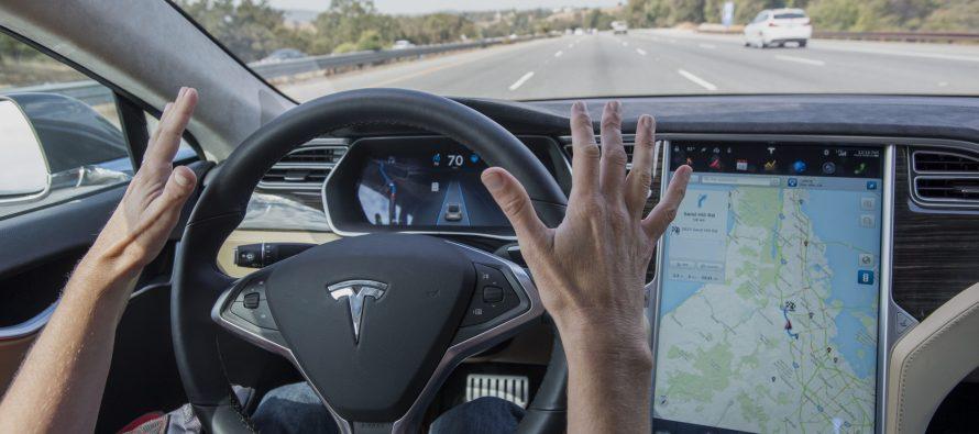 Tesla hará realidad disponible los autos que se conducen solos