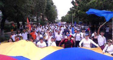 Oposición venezolana pide diálogo público con el gobierno y que sea en Caracas