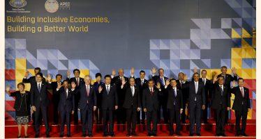 Modernizar el TLCAN, más que renegociarlo, subraya EPN en el Foro de la APEC