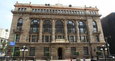 Banxico aumenta 50 puntos base la tasa de interés de referencia