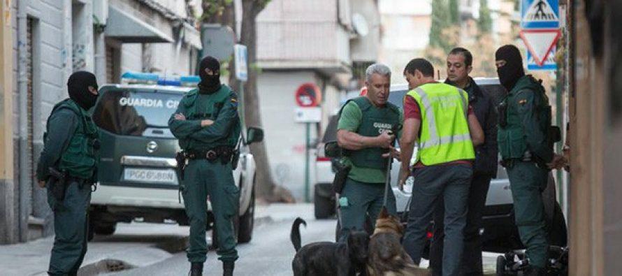 Guardia Civil española detiene a cuatro personas vinculadas con el Estado Islámico