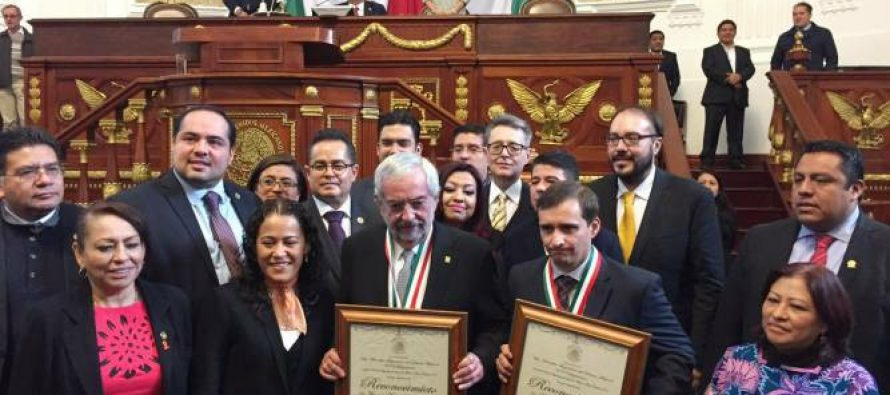 La UNAM y el Colegio de México reciben la Medalla al Mérito Ciudadano 201