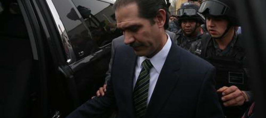 Guillermo Padrés es cambiado al Reclusorio Sur