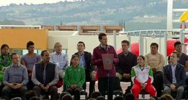 Peña Nieto entregó pista de remo y canotaje en el Edomex