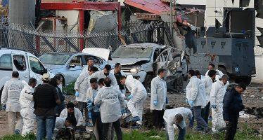 Estalla coche bomba en Turquía y deja saldo de un muerto y 30 heridos