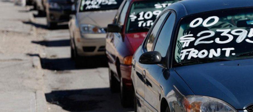 Proponen regularizar vehículos extranjeros; invitación a conferencia de prensa