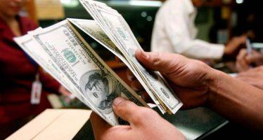 Dólar alcanza los 20.33 pesos en bancos