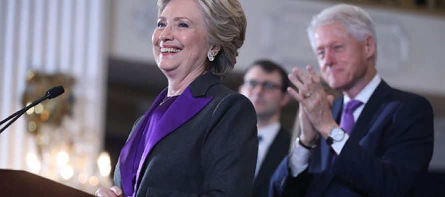 Hillary reconoció el triunfo de Trump; ofreció trabajar por el bien del país