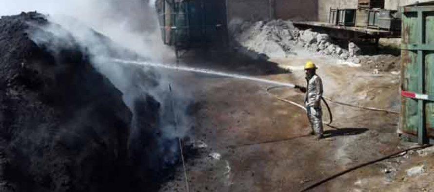 Bomberos apagan incendio de 100 toneladas de desechos metálicos en Aguascalientes